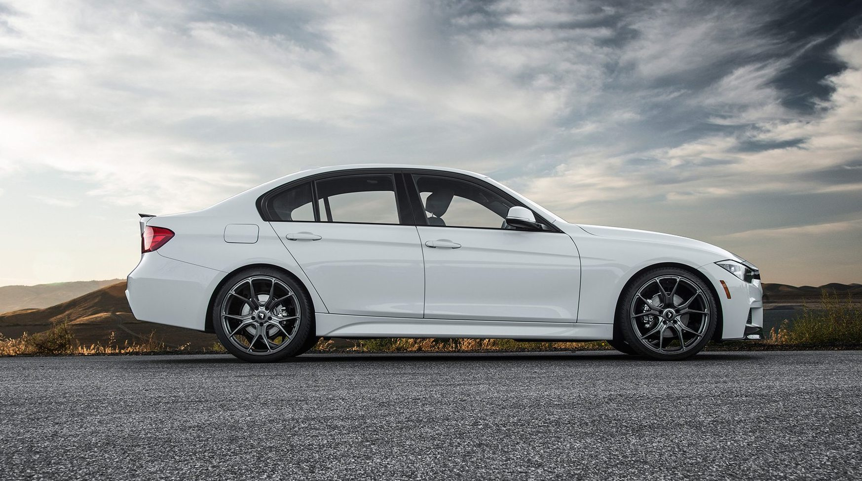 bmw-f30-on-v-ff-103-flow-forged-wheels_16453891140_o.jpg